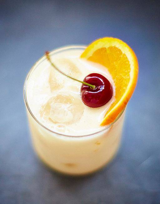whisky sour cocktail with egg whites