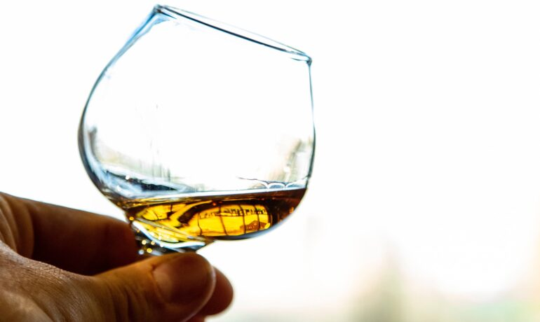 Discover all the whisky health benefits featured in our article!