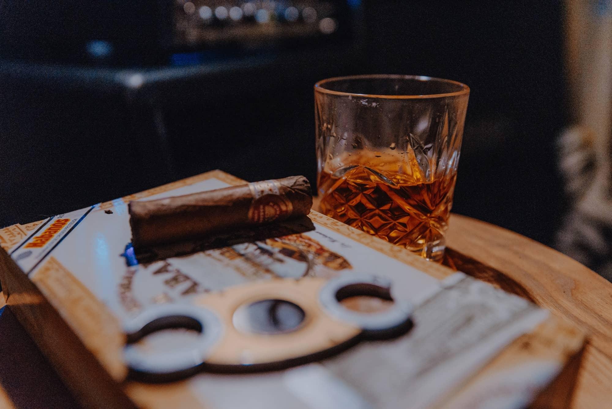 pairing whisky and cigar