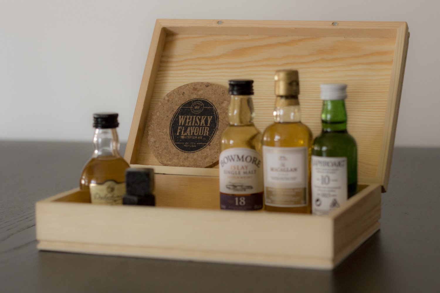 The Whisky Flavour Subscription Box with miniatures